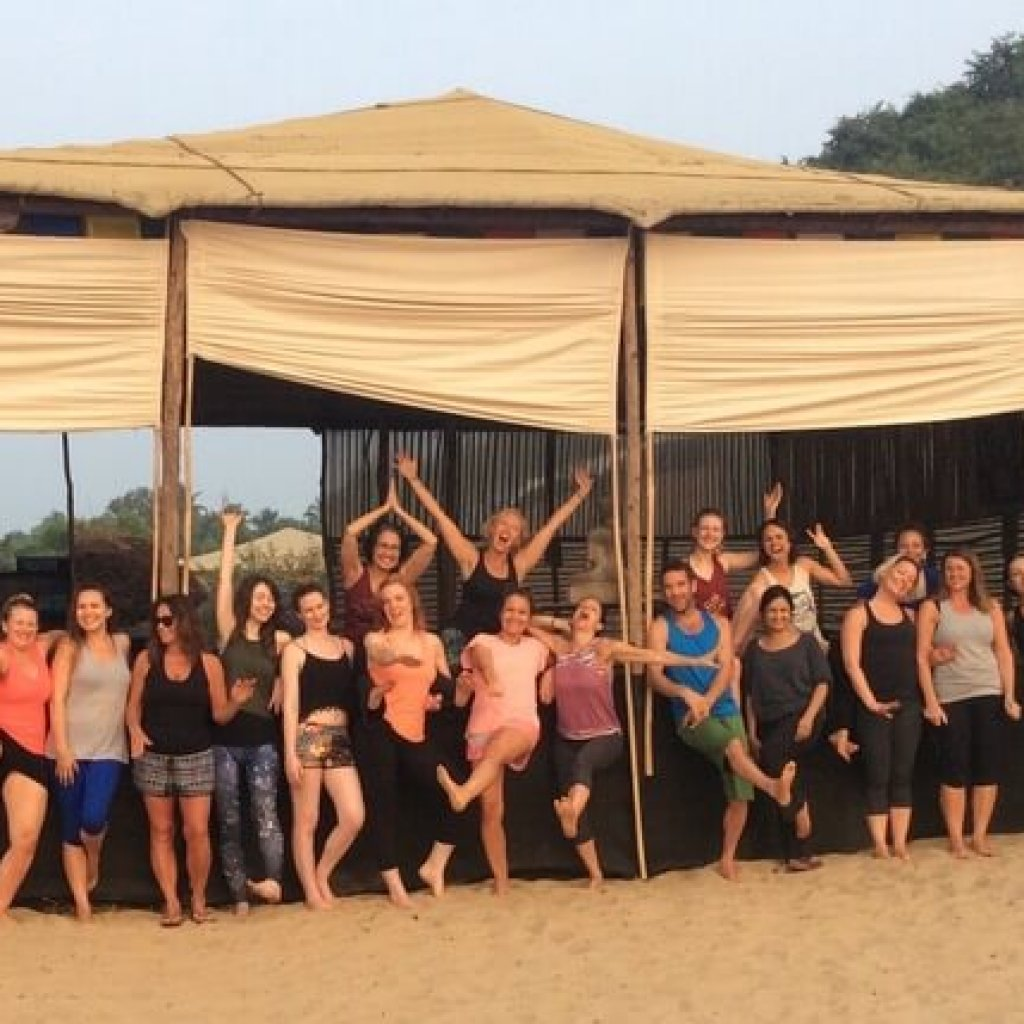 dina-cohen-yoga-retreat-goa-group1