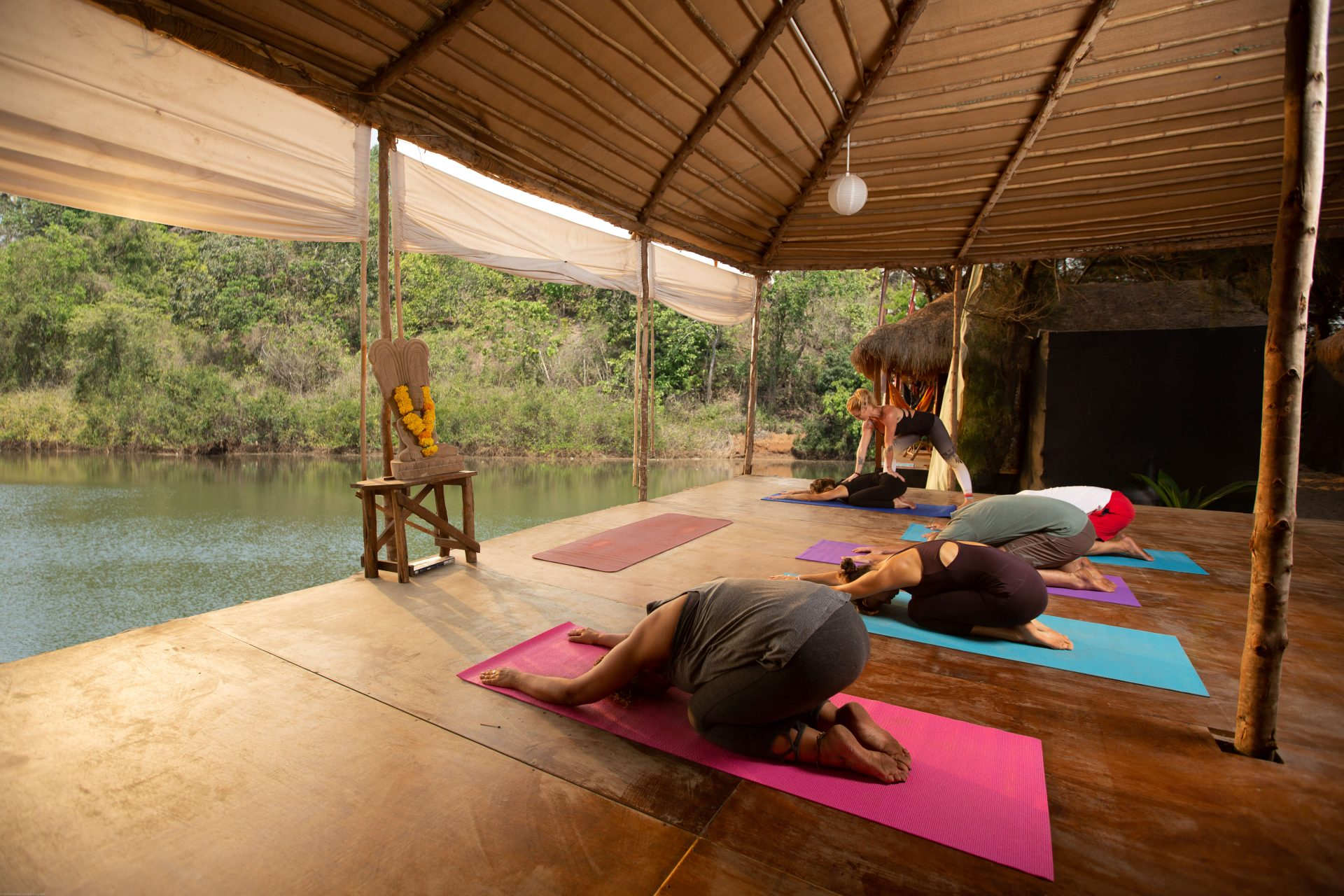 bamboo-yoga-river-class-childspose