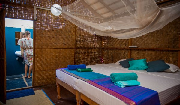 bamboo-yoga-bungalow-interior1