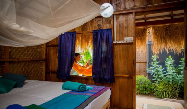 bamboo-yoga-bungalow-interior2