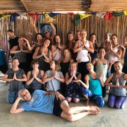 dina-cohen-yoga-retreat-goa-group2