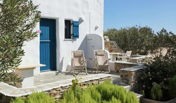 yoga-holidays-greece-chalet