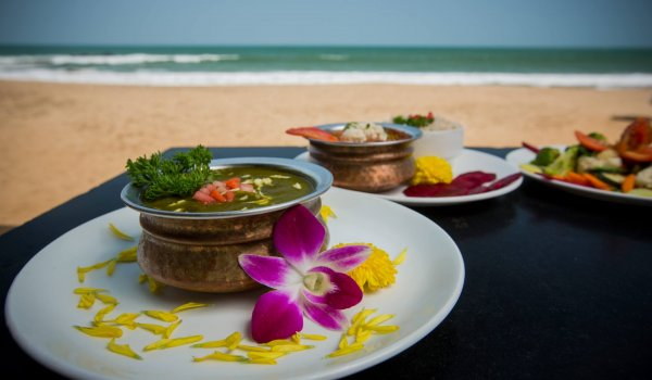 yoga-holidays-india-food-beach