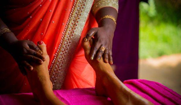 yoga-retreats-india-feet-treatment