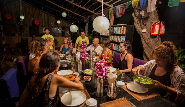yoga-retreats-india-food-dinner