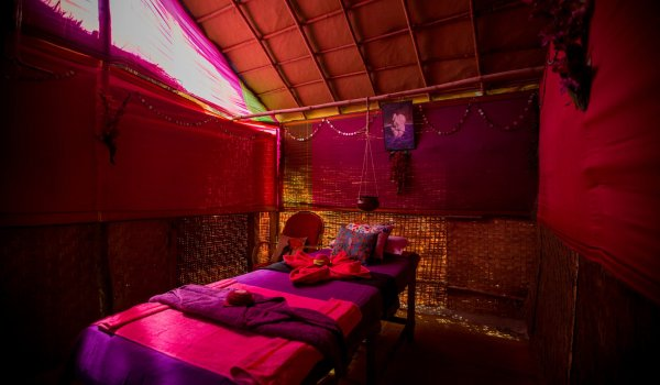 yoga-retreats-india-spa-treatment-room